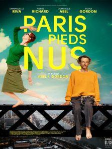 迷失巴黎背景图